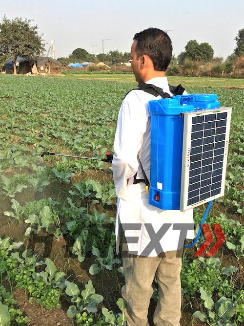 HYNEXT Solar Sprayer - Farmer Spraying